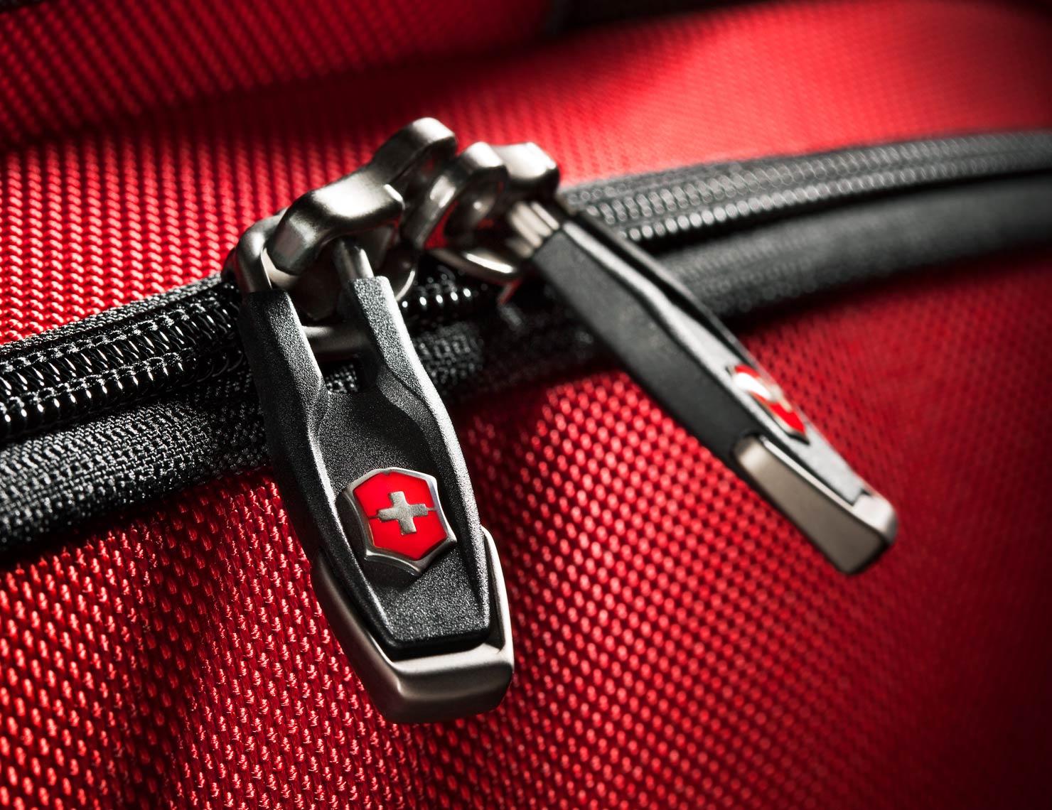 Product Photography Gear Victoronix Luggage Travel Beauty Detail Zipper Pull Red Metal Chicago